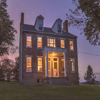1830 Farmhouse In Marietta Pennsylvania — Captivating Houses -