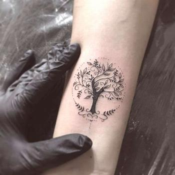 50+ simple and small minimalist tattoos design ideas for women who want to do something right away
