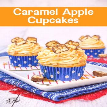 Caramel Apple Cupcakes - Enjoy the fall flavors of a caramel in a form! These easy-to-make sweet tr