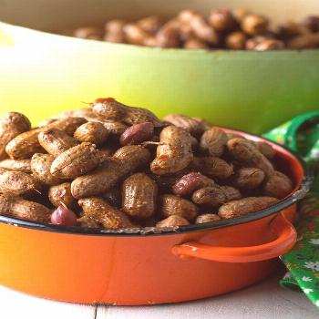 Easy Cajun Boiled Peanuts Recipe (3 Ways!)