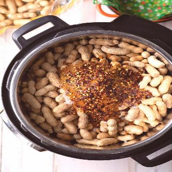 Instant Pot Boiled Peanuts Recipe (3 Ways!)