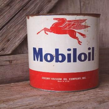 Socony-Vacuum Oil Company Mobiloil 5 Quart Tin with Pegasus Graphics Vintage Petroleana Collectible