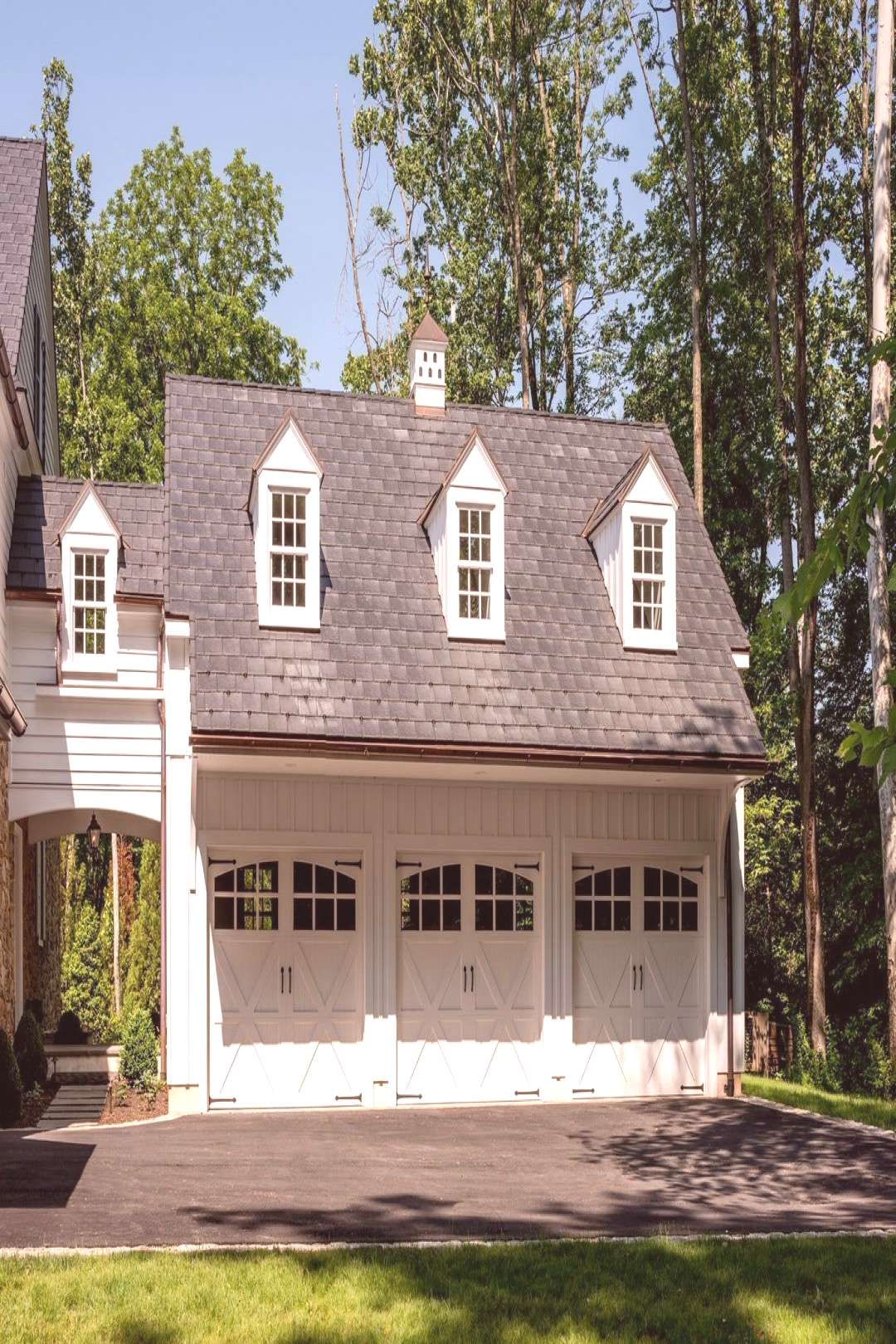 Carriage House Style Garage Attached To Pennsylvania#attached