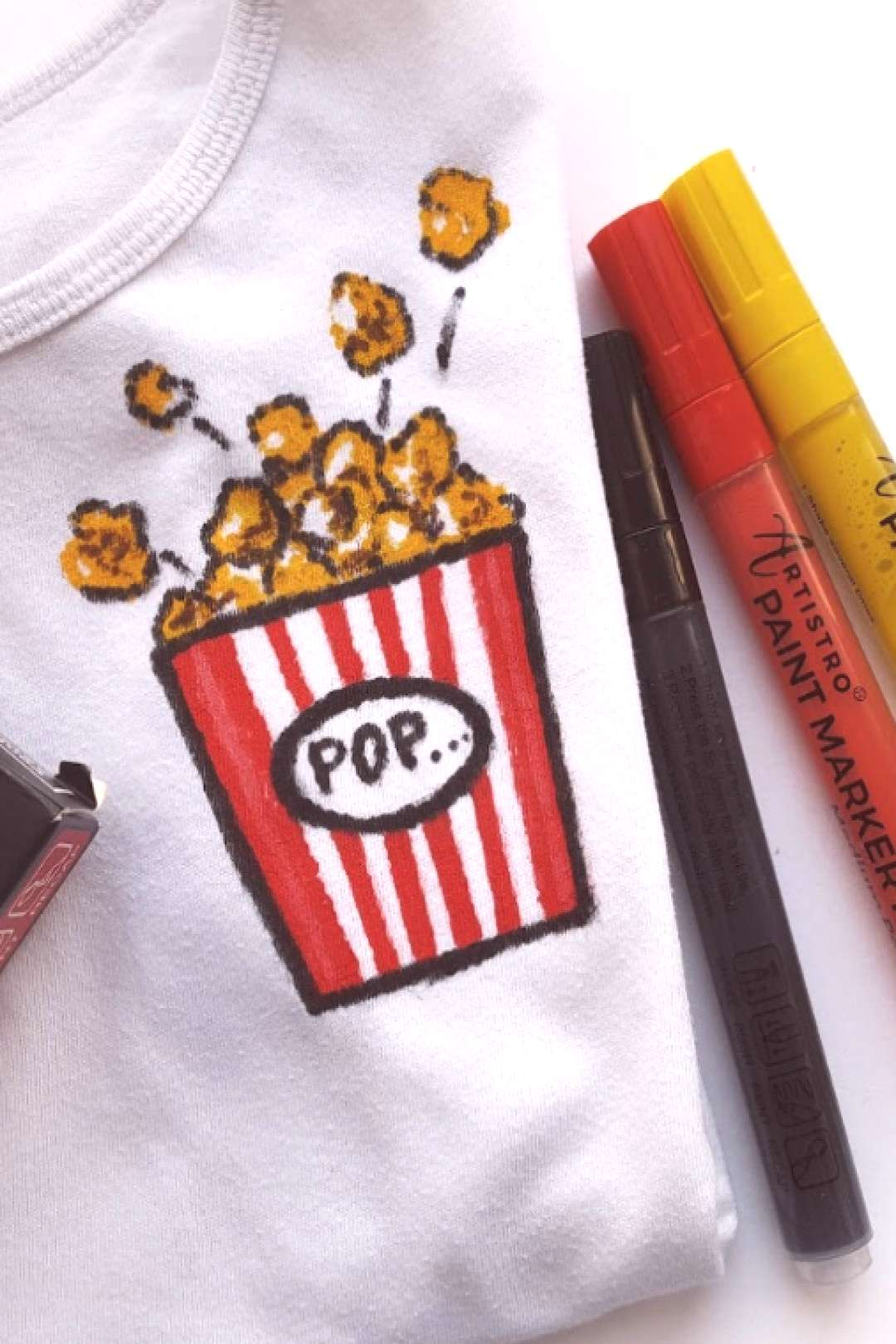 DIY Popcorn Tshirt design using fabric paint pens. Easy to create fabric painting DIY t-shirts by h
