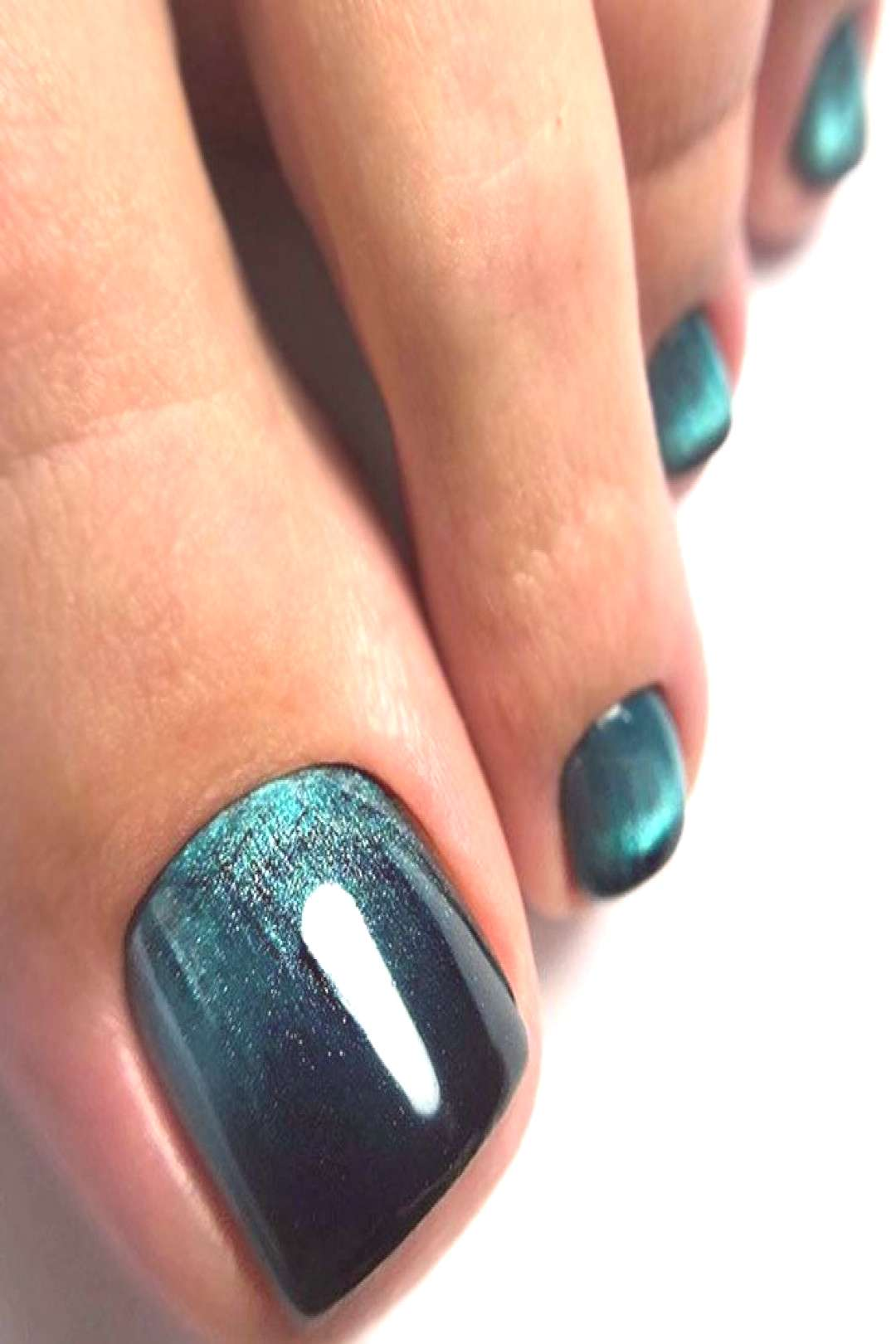 Green Cat Eye Nail Art ★ Explore trendy and classy, cute and elegant toe nails designs for summer