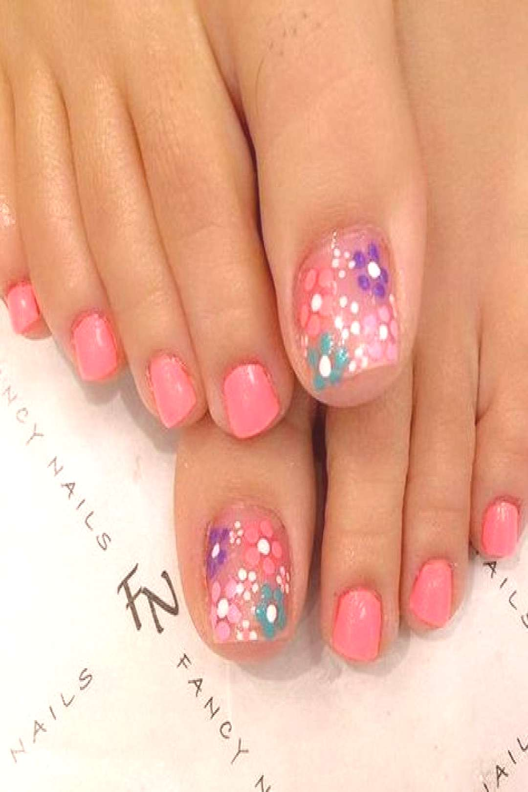 Looking for new and creative toe nail designs? Let your pedi always look perfect. We have a collect
