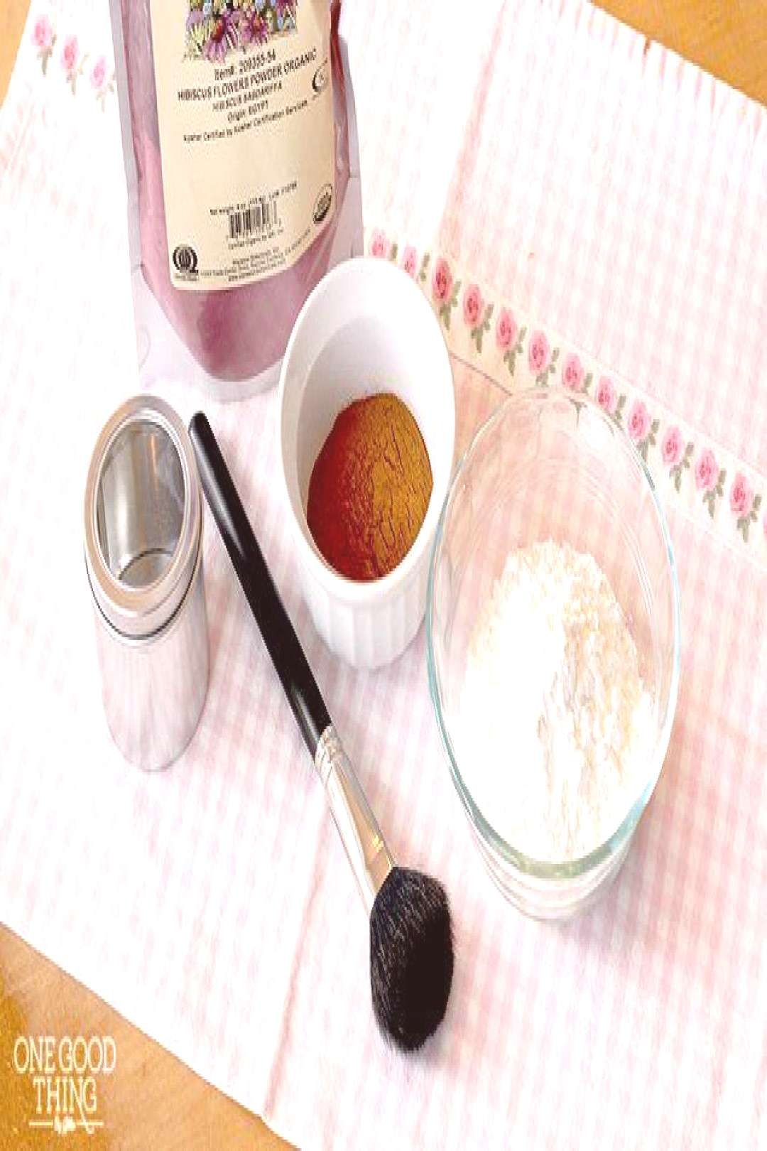 Make Your Own All Natural Homemade Blusher/Bronzer For Pennies! - One Good Thing...