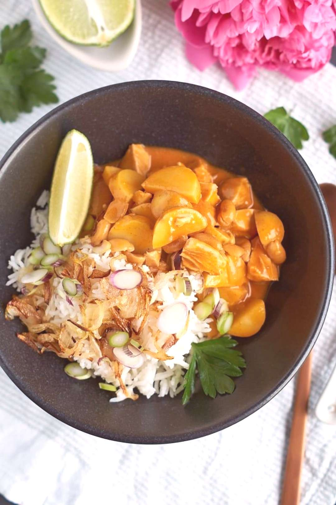 Massaman curry with chicken, potatoes and peanuts#chicken