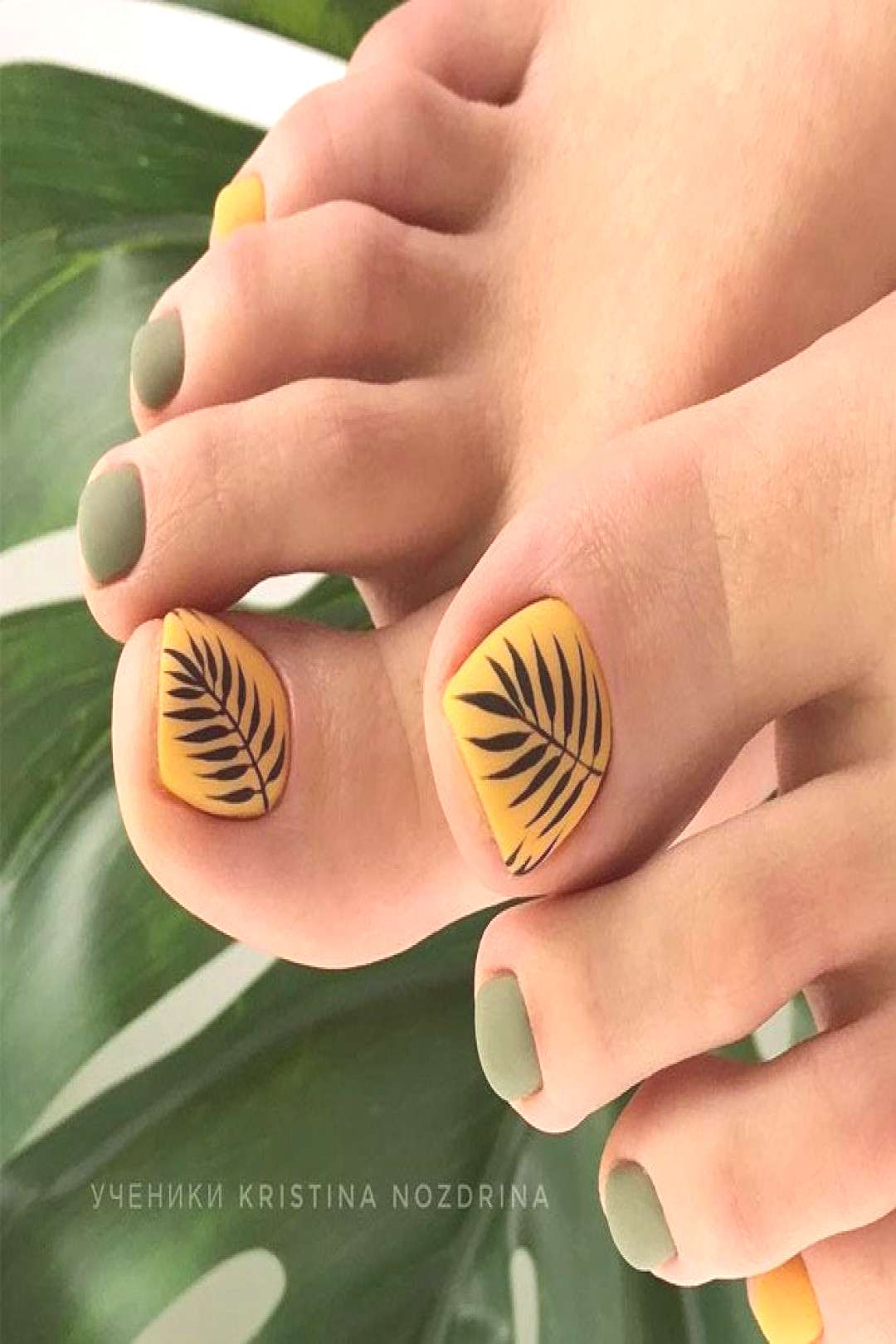 Matte Toe Nails With Leaves Pattern ★ Keeping your toes immaculate is as important as taking care