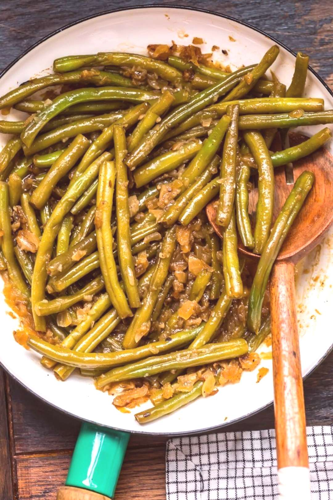 Pennsylvania Dutch Beans    This is such a delicious and easy way to prepare green beans! Crispy, c