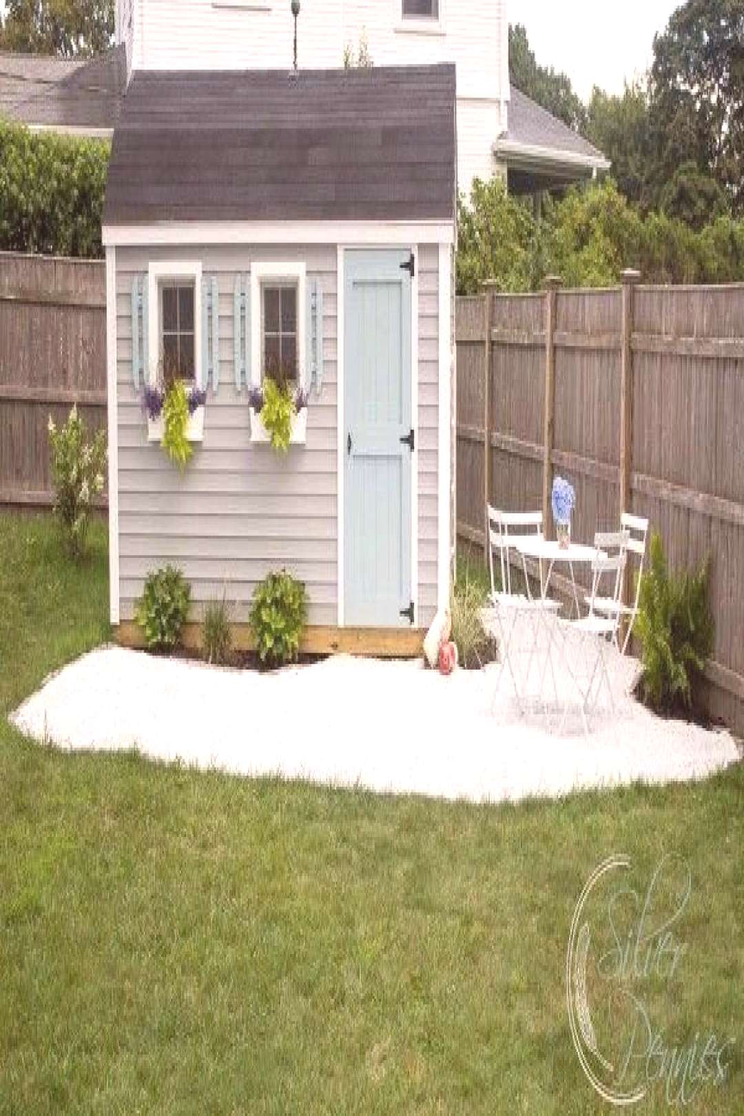 She Shed: DIY Gravel Patio - Finding Silver Pennies#diy