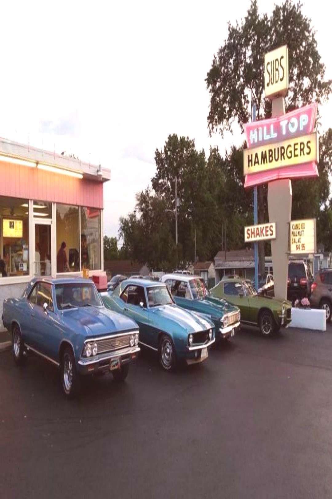 The Old Fashioned Drive-In Restaurant In Pennsylvania That Hasn't Changed In Decades - The Old F