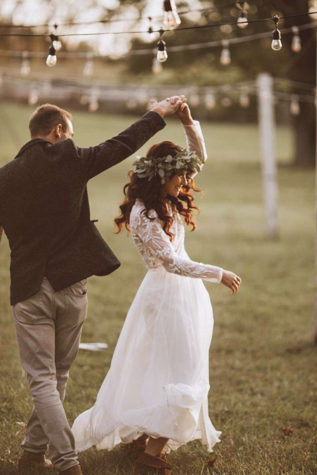 You're Going to Want to Recreate Every Inch of This DIY Family Farm Wedding in Pennsylvania | Juneb
